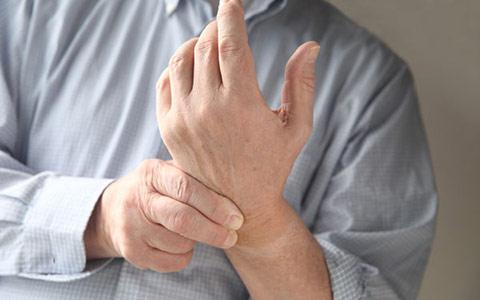 Ломота в суставах рук, ног: почему ломит ноги ируки, причины илечение
