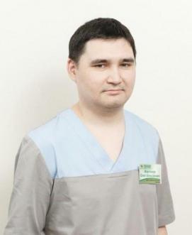 Врач-ортопед Жартанов Олег Алексеевич