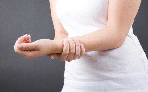Боль в руках: причины, последствия, методы лечения боли в мышцах и суставах рук