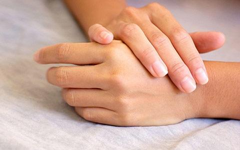 Боли в запястьях: причины, как вылечить запястья иизбавиться от боли в руках
